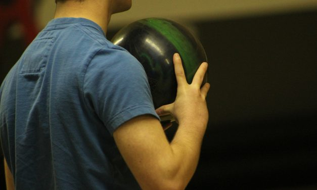 How to Hold a Bowling Ball Properly?