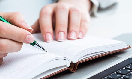 How Does Custom Essay Writing Service Help You Improve Your University Performance?