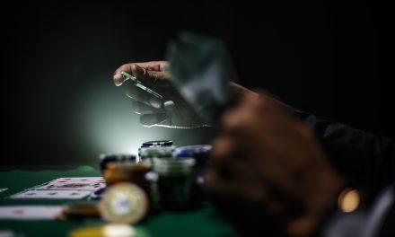 Online Gambling: The Impact of Social Games on Weak Gamblers