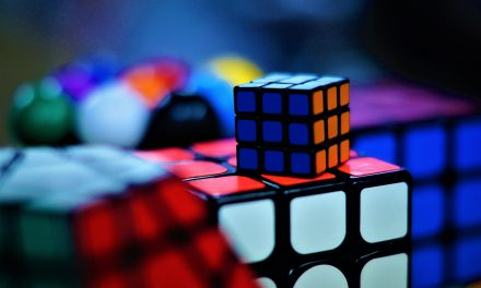 How to solve a Rubik's cube for beginners